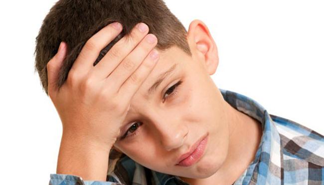 У мальчика болит голова