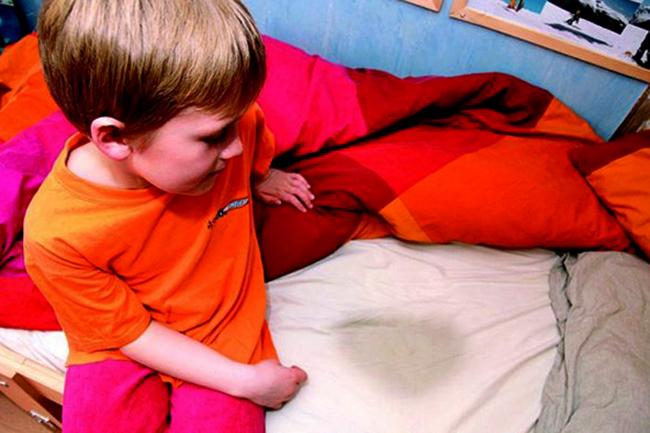 У ребенка энурез