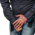 Подтекание мочи после мочеиспускания у мужчин: причины и что делать